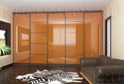 """№10. Двери из <a href=""""http://www.kupesalon.ru/catalog/orakal-gotovie"""" title=""""Цены на шкафы с цветным стеклом"""">цветного стекла</a>"""