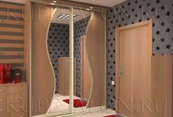 №18. Шкаф из ЛДСП с зеркалом  Цена: 25 000 руб