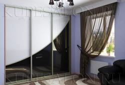 №33. Двери из цветного стекла  Цена: 49 300 руб