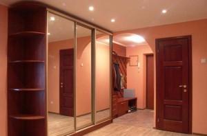 Шкаф-купе идеален для мебели в прихожей