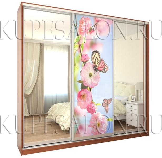 трехдверный шкаф купе с фотопечатью и зеркалом для спальни