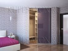 угловая встроенная гардеробная купе в спальне