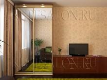 корпусный зеркальный шкаф купе в гостиную фото