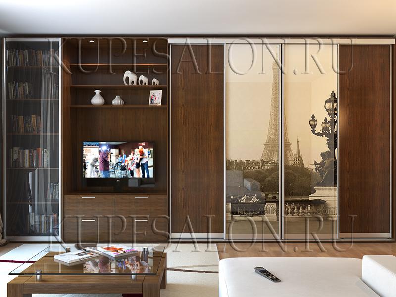 стильный шкаф купе с фотопечатью в интерьере гостиной