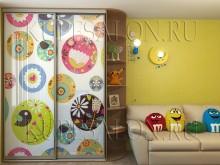двухдверный встроенный шкаф купе в детскую фото